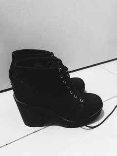 DIVIDED by H&M high ankles boots