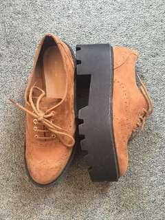 Pull & Bear brown Shoes Size 37