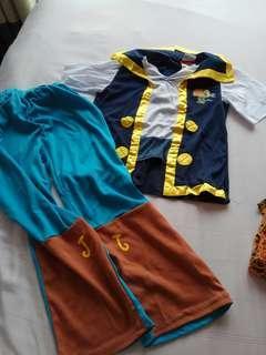 🚚 Pirate costume