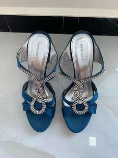 Blue heels with shinning studs