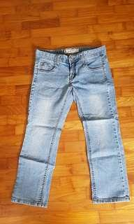 🚚 3/4 three quarter jeans with stone embroidery decoration