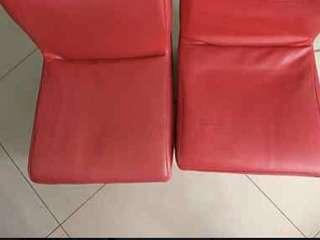 🚚 紅色椅子 2個