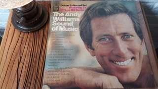 出售Andy Williams孖碟裝黑膠碟一套,有歲月痕跡,售二百元,有意請pm我,謝謝!