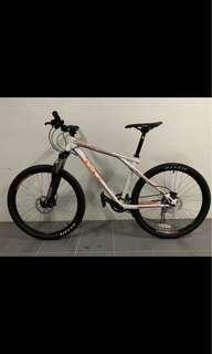 GT Avalanche 3.0 MTB Bike 26er (Special Frame by GT)