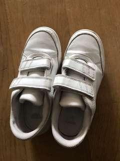 Adidas 波鞋 eur 32-32.5 sneakers 85%新