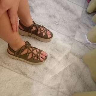 Pull and Bear wedges sandal shoes