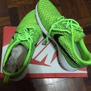 592637471e66 Nike Flyknit Roshe Run