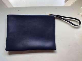 Pouch Navy Leather