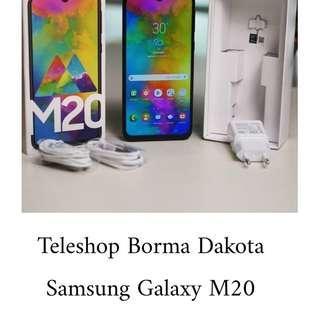 Samsung M20 kini hanya 2,749,000 promo cicilan 0%