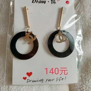 耳環140元/對