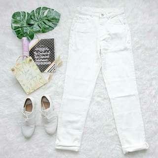 WHITE BOYFRIEND JEANS PANTS