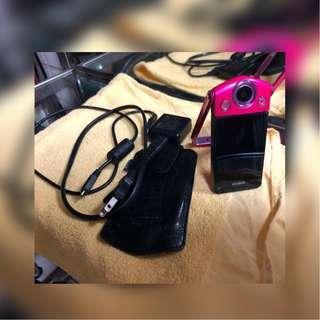 【舊愛好物 二手市集】【3C】TR35 桃紅色 狀況良好 有附充電線、16GB外接記憶卡、皮套