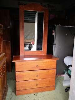 Dressing Table meja solek