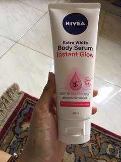 NIVEA extra white body serum
