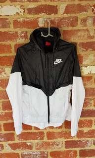 Nike Windbreaker Black & White Jacket Womens M - Free Postage