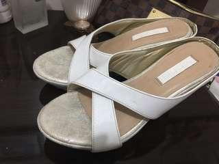 White wedge (branded)