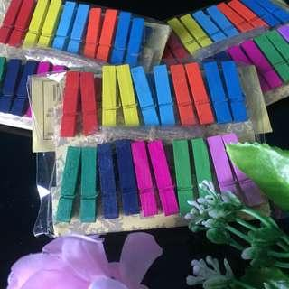 COLORED WOODEN CLIP