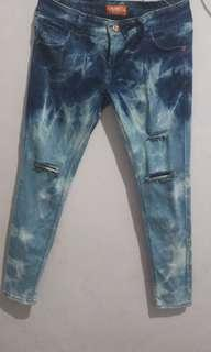 Celana Jeans ripped jeans
