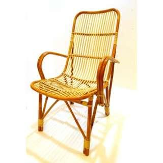 Large Brown Rattan Chair (Comes with free Pearl Shell Box)