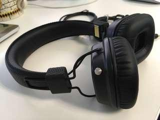 🚚 Used Black Marshall Major II Bluetooth