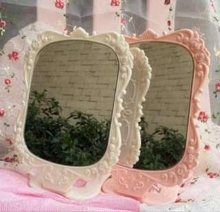 🚚 🆕💯 BUY 1 FREE 1 Stylish Standing Beauty Rose Mirror💯🆕