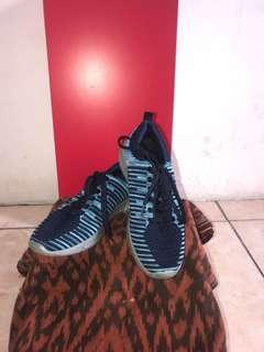 PL - Sepatu Sport Unisex