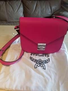 MCM  ~ 螢光pink 手袋