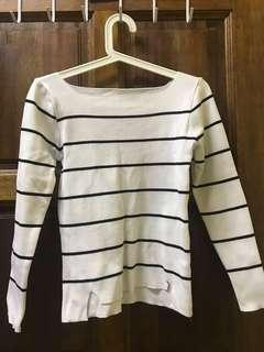 Knitted White Stripes