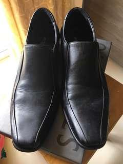 Sepatu Formal Hitam Antton&Co