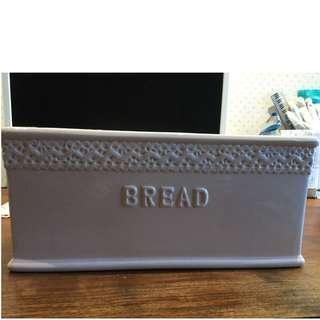 粉紅色陶瓷麵包箱(蓋子打破了)