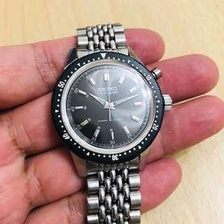 Vintage Seiko Chronograph 45899, circa 1964, black dial