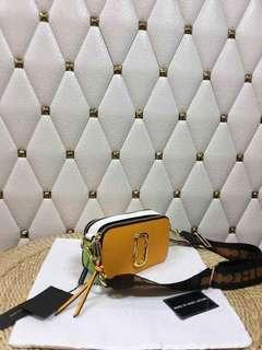 Marc Jacobs Camera Bag 🏷️