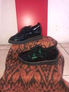 NEW - Sepatu Fashion Hologram ( bunglon )