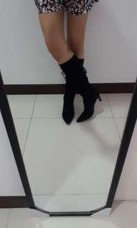 🚚 🆕️👠😍 BUY 1 FREE 1 Classic Black Heel Boots👠😍🆕️