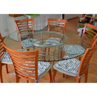 Nice cut-glass dinning table set