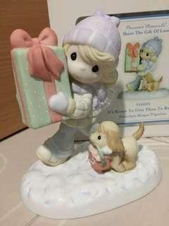 Precious Moments Girl Figurine : It's Better to Give than to Receive