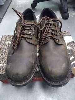 Black Hammer Safety Shoe (UK6)
