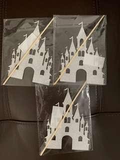 🚚 Castle cake Topper