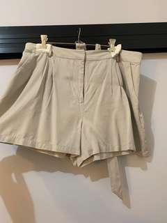 Pleated beige shorts w/belt (fit 12-14) WORN ONCE