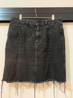 Black denim skirt (fits 10-14)