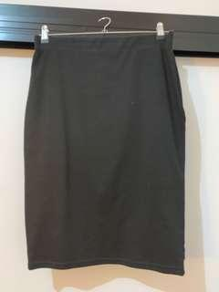 Black tube skirt (fits 12-16)