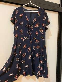 Floral swing dress (fits 12-16)