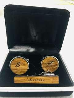 🚚 Personalized cuff link and tie pin