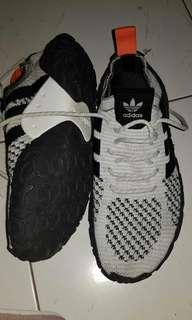 Sepatu adidas from vietnam