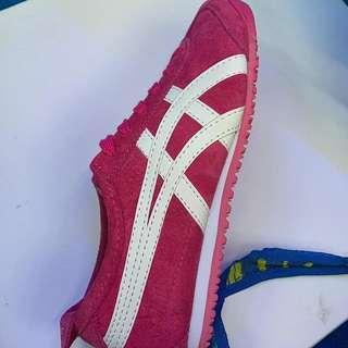 Sepatu TIGER