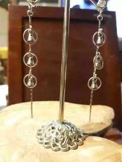 🚚 銀色鈴鐺耳環