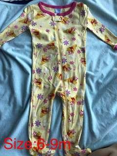 Winnie the Pooh嬰兒連身衣(6-9m) 新舊如圖