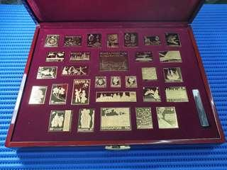 1995 The Singapore Collection. 30X Ingots of Singapore Postage Stamps minted in Gold-Plated Solid Sterling Silver by Singapore Mint and Singapore Philatelic Museum. Mintage: 3800 Sets