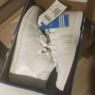 Adidas 高筒波鞋🈹🈹🈹