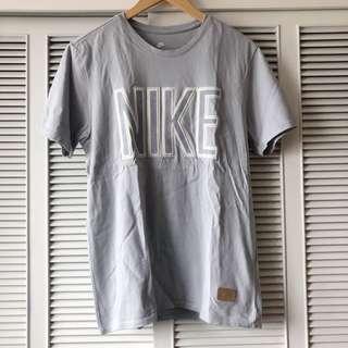 Nike Men's Light Grey Shirt